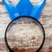 Krone blau bearbeitet